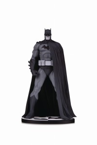 BATMAN BLACK & WHITE VER 3 BY JIM LEE STATUE