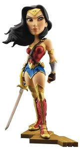 GAL GADOT AS WONDER WOMAN 7IN VINYL FIG